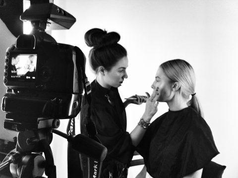 © M O N A J A N S E N  ➔ Hair & Make-up Artist ➔ Make-up Trainer ➔ Beauty & Perfume Expert ➔ Fashion & Lifestyle Coach ➔ Social Media Conceptioner ➔ Blogger 📷 Beauty • Lifestyle • Luxury •  SAY HELLO  Inquiries · Bookings · Collaborations  ✎ info@monajansen.com www.monajansen.com  ✆ +4915233822964 Insta: #monajansenofficial Fb: @monajansenofficial Yt 🎥: Mona Jansen